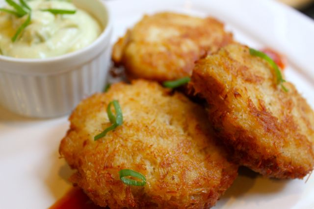 Post image for Crab Cakes and Wasabi Mayonnaise