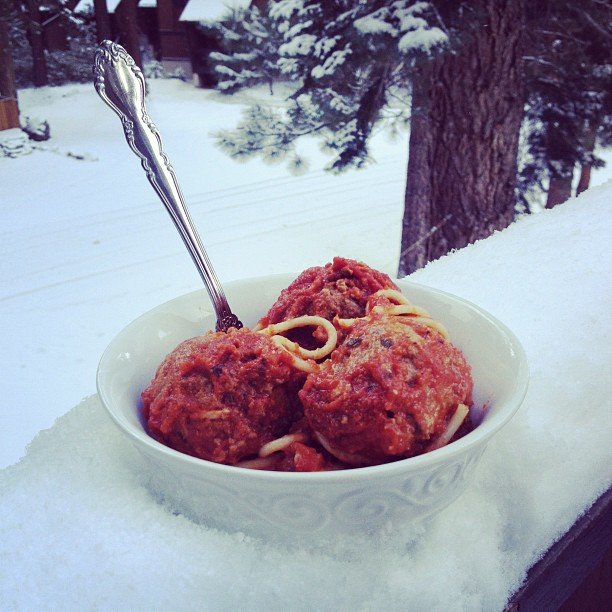 Post image for Giant Crock Pot Meatballs