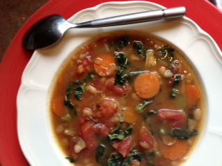 Post image for Tuscan Cannellini and Kale Soup